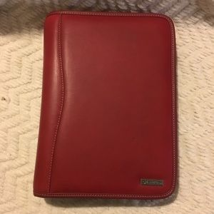 Franklin Covey Classic Zippered Leather Binder red